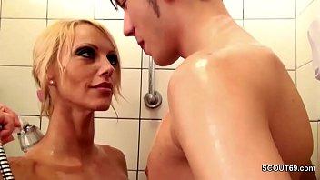 Подборка крутого лесбийского порно с жесткой мастурбацией и буйными оргазмами