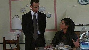 Пикапер знакомится с женщиной и ебет по окончании совместной трапезы